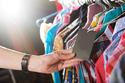 Печать бирок для одежды на заказ